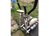 Cross trainer walking machine