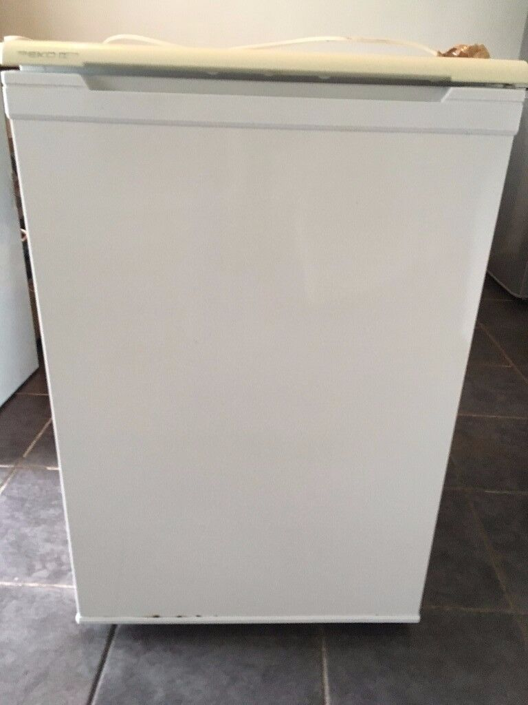 under counter freezer fore sale fully working