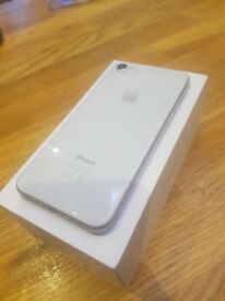 Iphone 8 64gb Unlocked Boxed 10/10 condition Fully working condition £600