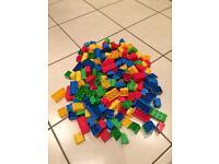 Bricks 200 approx mega bloc