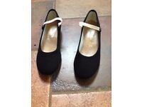Katz Dance Shoe Size 2.5