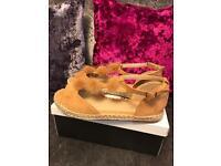 Women's Pom Pom sandals - new in box