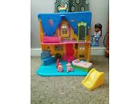 Doc Mcstuffins talking clinic playhouse excellent condition hardly played with