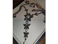 NEW SILVERTHREE DROP PENDANT INLAID WITH MARCASITE AND PEARLS, ON 20 INCH CHAIN