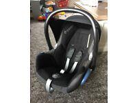 Newborn Maxi Cosi Car seat and swimming towels