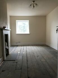 Grimsby-£75/week- ONE LEFT-newly renovated luxury furnished large double room, additional houseshare