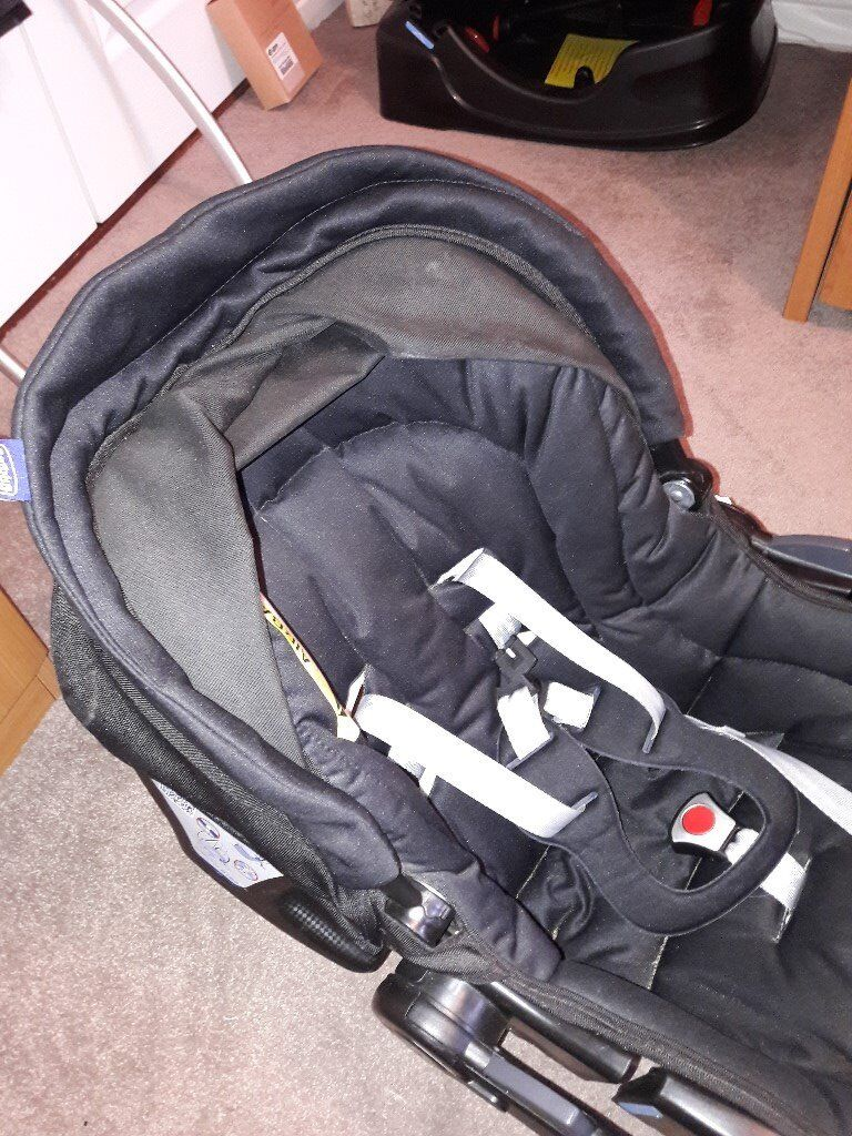Chicco Baby Car Seat And Isofix From Birth In Excellent Condition Must Sell As Need