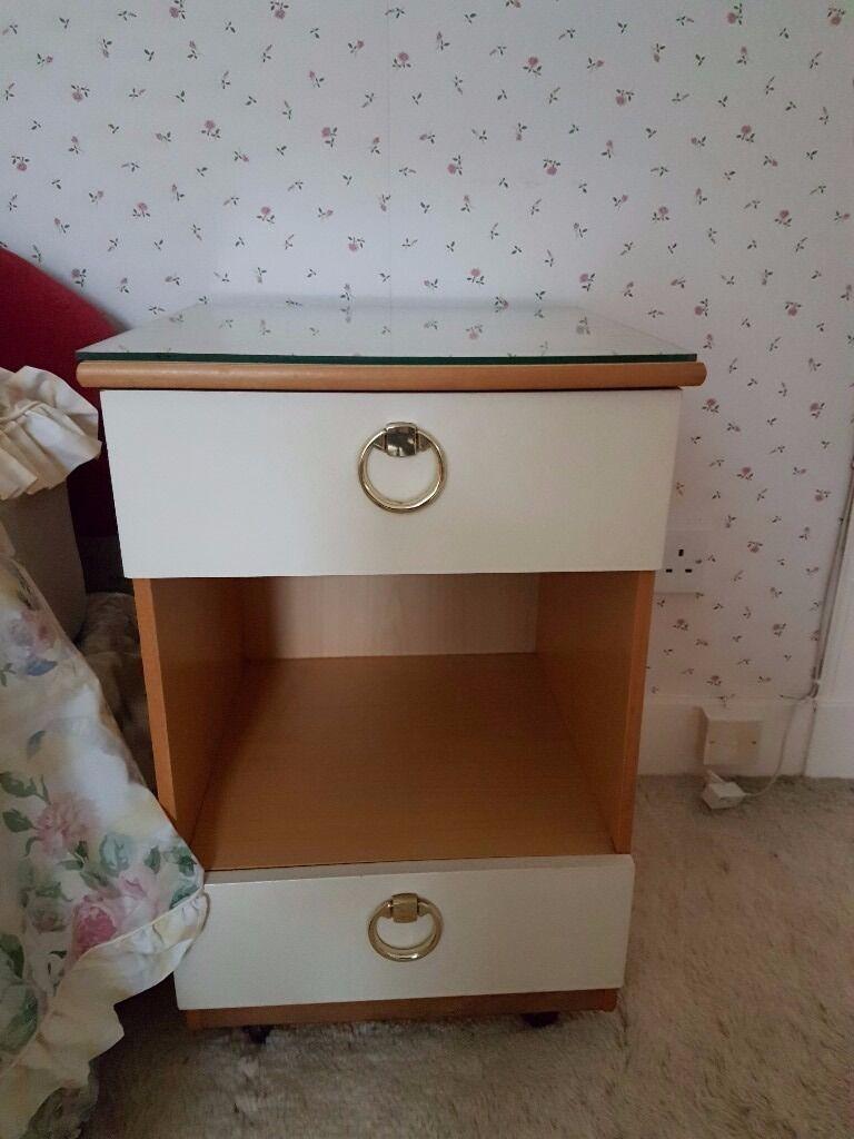Schreiber Bedroom Furniture X2 Bedside Cabinets Schreiber Bedroom Furniture In Ellon