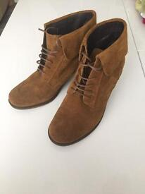Clarks Leather Suede Ankle Tan Boots Size 5
