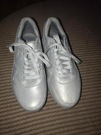 Grey Nike air max