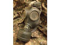 M53 German gas mask