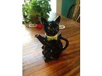 Collectible Cat Tea Pot