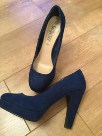 New Look size 6 suede shoes