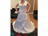 Beautiful wedding dress worn once, Donna lee dress, excellent condition