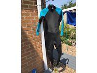 Women's mountain warehouse wetsuit size 16-18