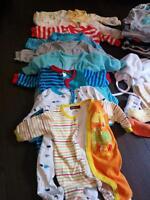 lot de vêtements 0-3 mois