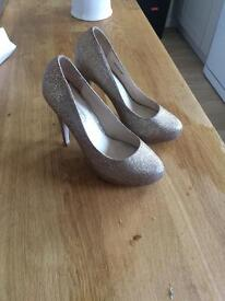 Prom/Bridal High Shoes in sparkly Gold