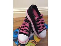 Heelys black and pink