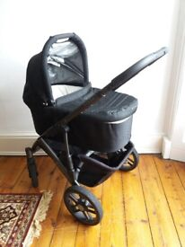 Uppababy Vista - 2012 model in EXCELLENT condition.