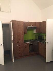 Cosy 2 bedroom in heart of Golders Green NW11