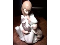 "Genuine Lladro Porcelain Figurine Entitled ""Cat Nap"" 01005640 Juan Huerta 1990"