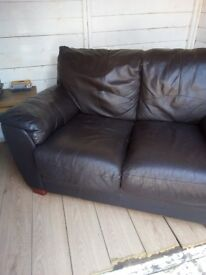Two seater settee brown in good nick.Way too good toothrow away