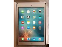 Ipad Mini 1st generation/ 32gb/ wifi only/ white + Bundle