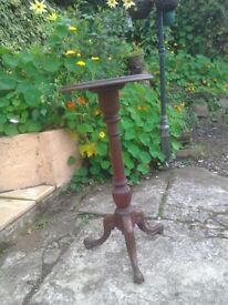 Antique wooden jardiniere in good condition can deliver local free