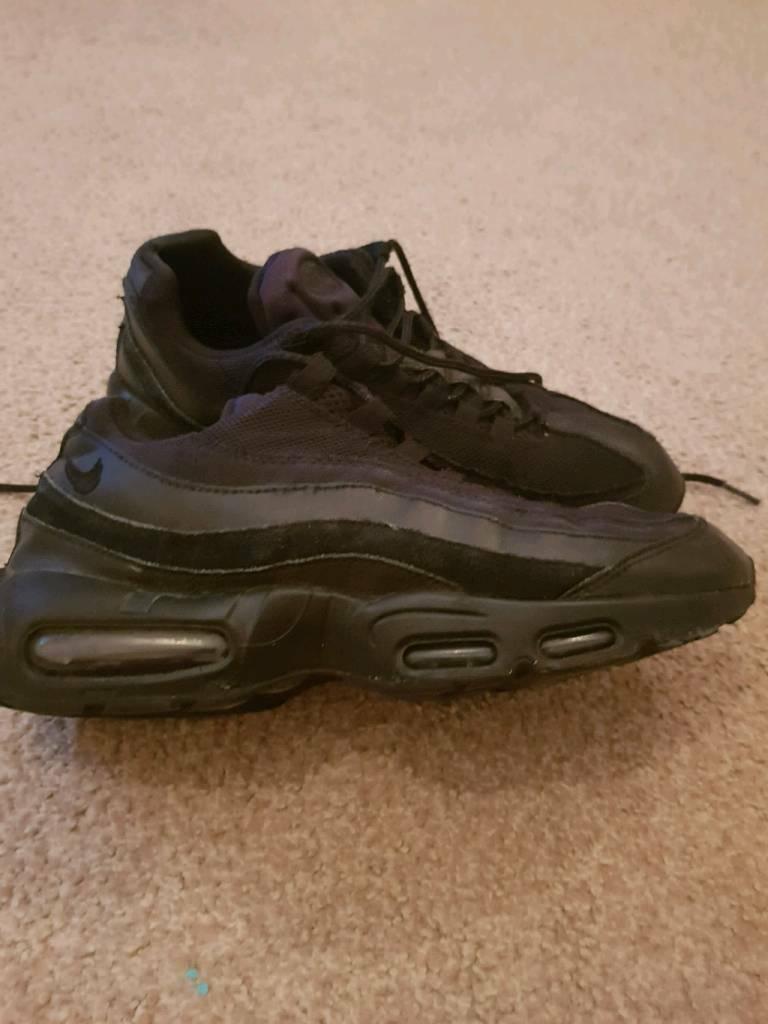outlet store 0e0bf 1b5c8 Nike Air Max Invigor Trainers Mens
