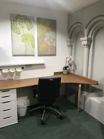 Office / Desk Space to let