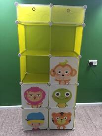 Kids flexible shelves