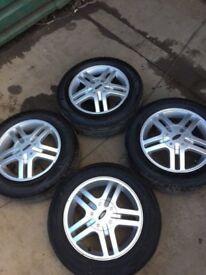Genuine Set of 4 Ford Focus Alloy wheels 4 good tyres 195 60 r15 4 Stud