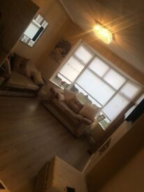 5 Bedroom house walking Distcnce to calderstones park Sefton park A lvly size family home