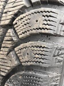 2 pneus 225/50/18 Hankook hiver 10/32