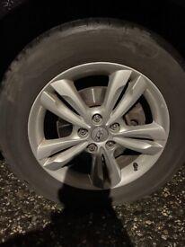 Hyundai ix35 alloy/tyre