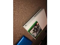 Xbox one s 500gb and games