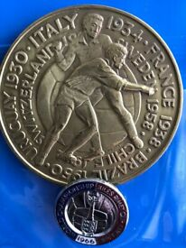 Rare 1966 World Cup large medal and enamel Badge