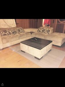 CORNER LOUNGE SUITE + OTTOMAN Helensvale Gold Coast North Preview