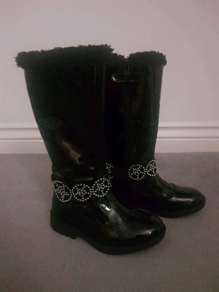 4a3303602768f Lelli Kelly Black Patent Boots. Size 26.