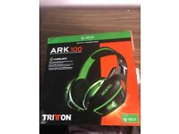 Xbox one headset mint condition