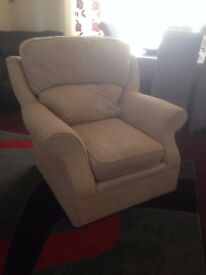 arm chair, cream, posh & clean, excellent condition, cloth material