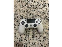 Ps4 controller - White