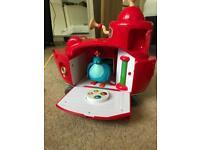 Twirlywoos big red boat toy