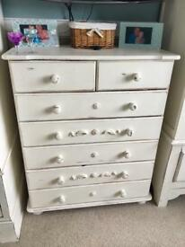 Gorgeous shabby chic set of drawers unit