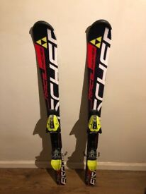 Fischer skis and poles very good condition. As hardly used