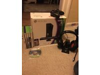 Xbox360 Kinect-2x controllers, 7x games and 1x headset
