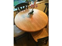 Extendable dining table and 4 matching chairs