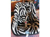 Maxi Cosi Baby Carrier Ultra Soft 0-13kg Zebra Print in Brilliant Condition with User Manual