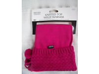 NEW in packaging Briers B2601 bright pink fleece knitted/pom pom top welly boot warmer/liner. 1 size