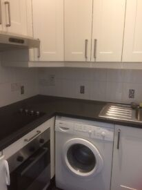 Small One Bed Unfurnished Flat - Guildford (Parking & Share of Garden)
